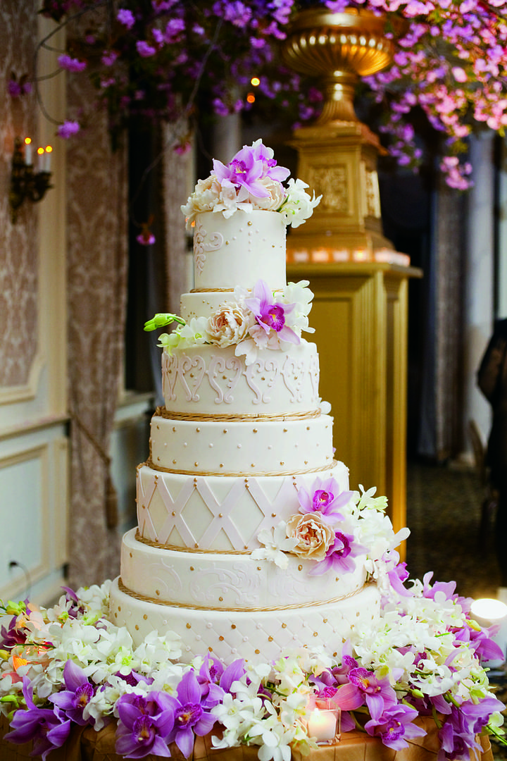 designs for wedding cake table wedding cake displays stunning floral embellished cake 13481