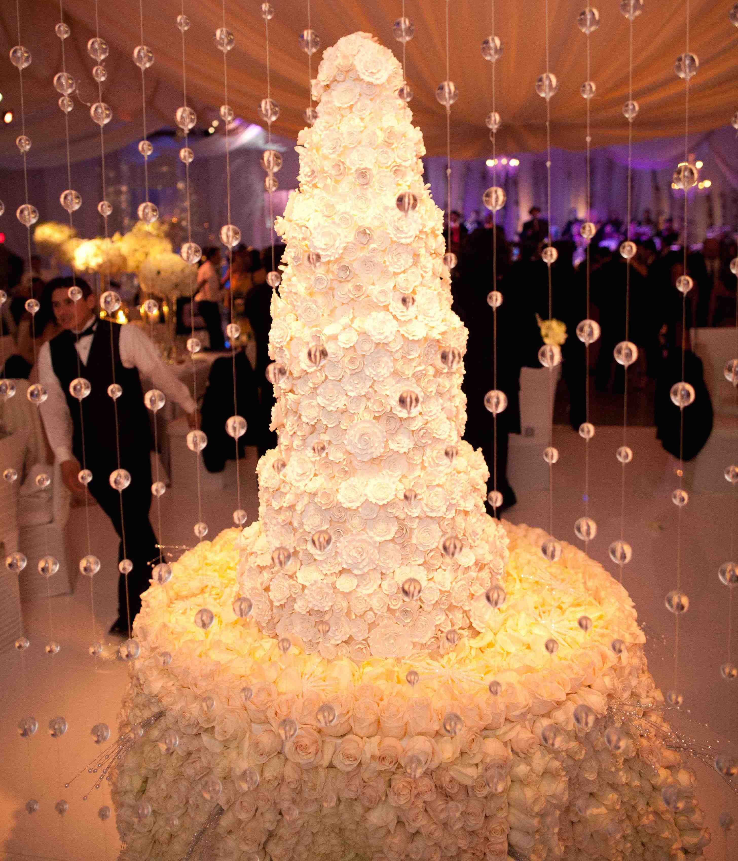 Wedding Cake Displays: Stunning Floral-Embellished Cake Tables ...