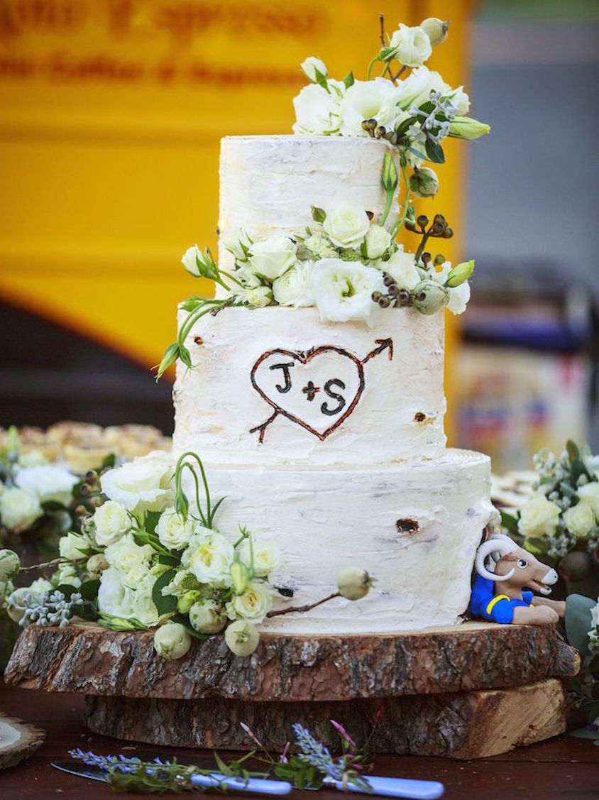 Wedding Cake Displays: Natural Wood Cake Stands