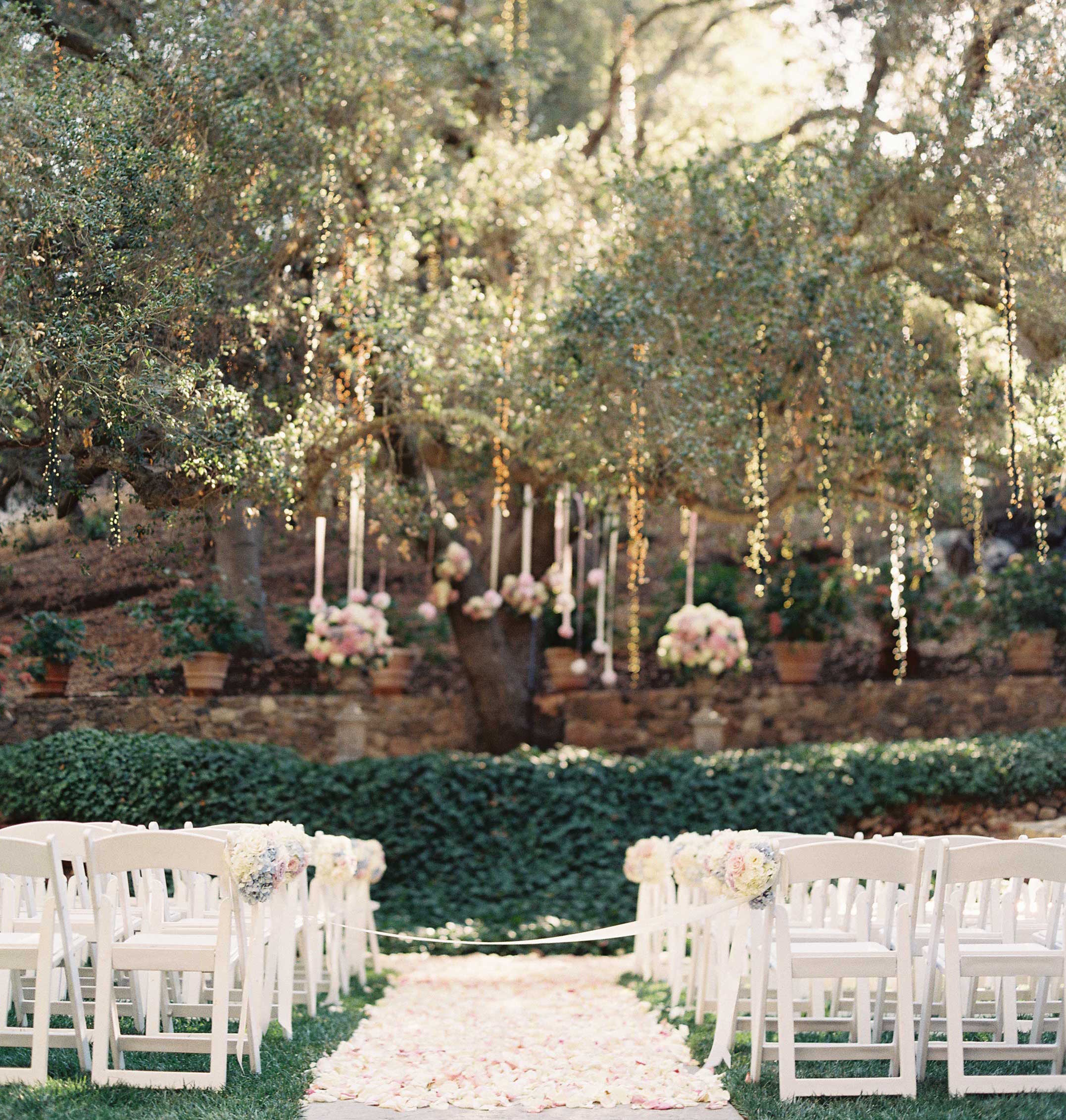 20 Outdoor Ceremonies That Will Make You Rethink Your