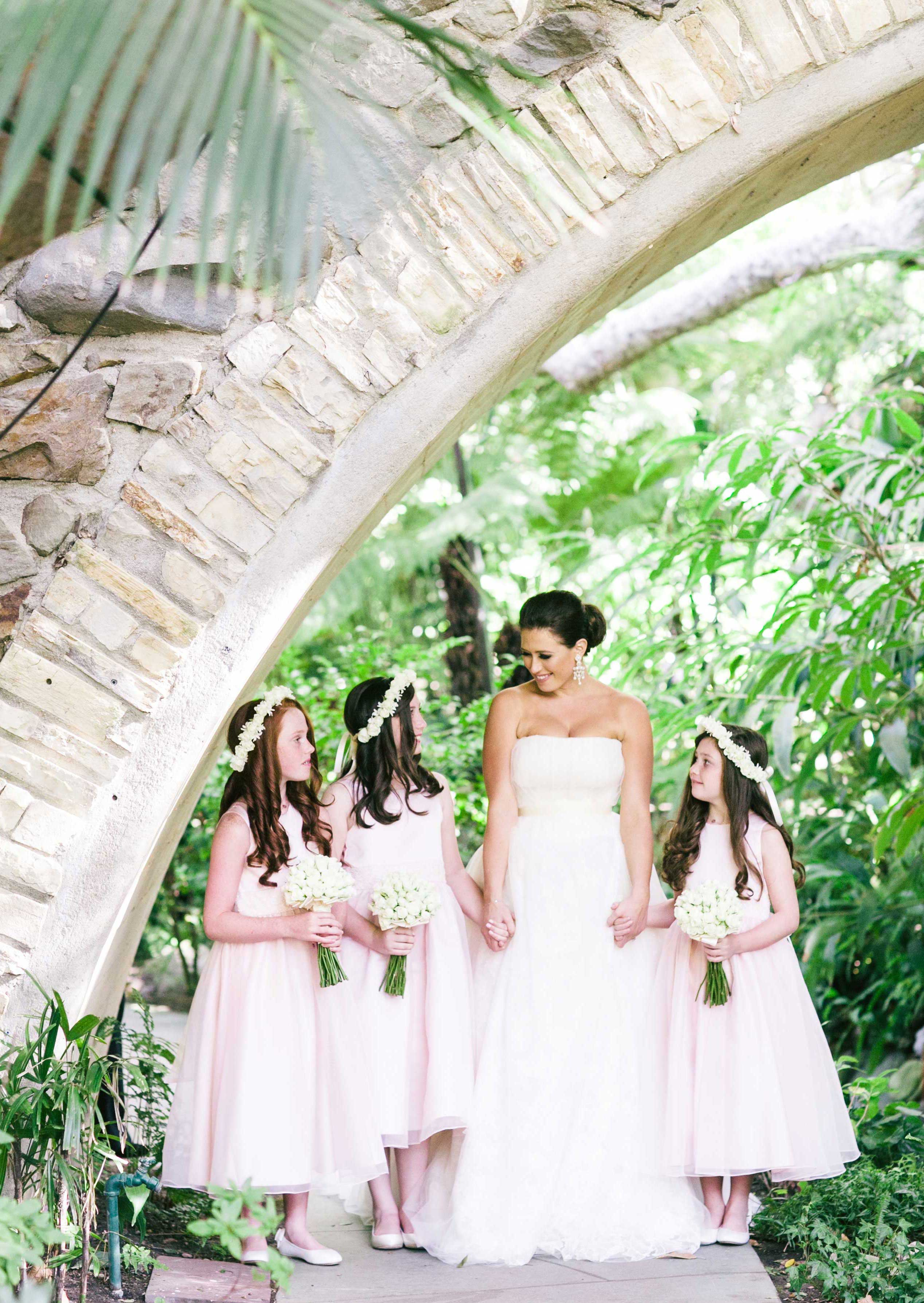 Flower girls at Hotel Bel-Air in pink dresses