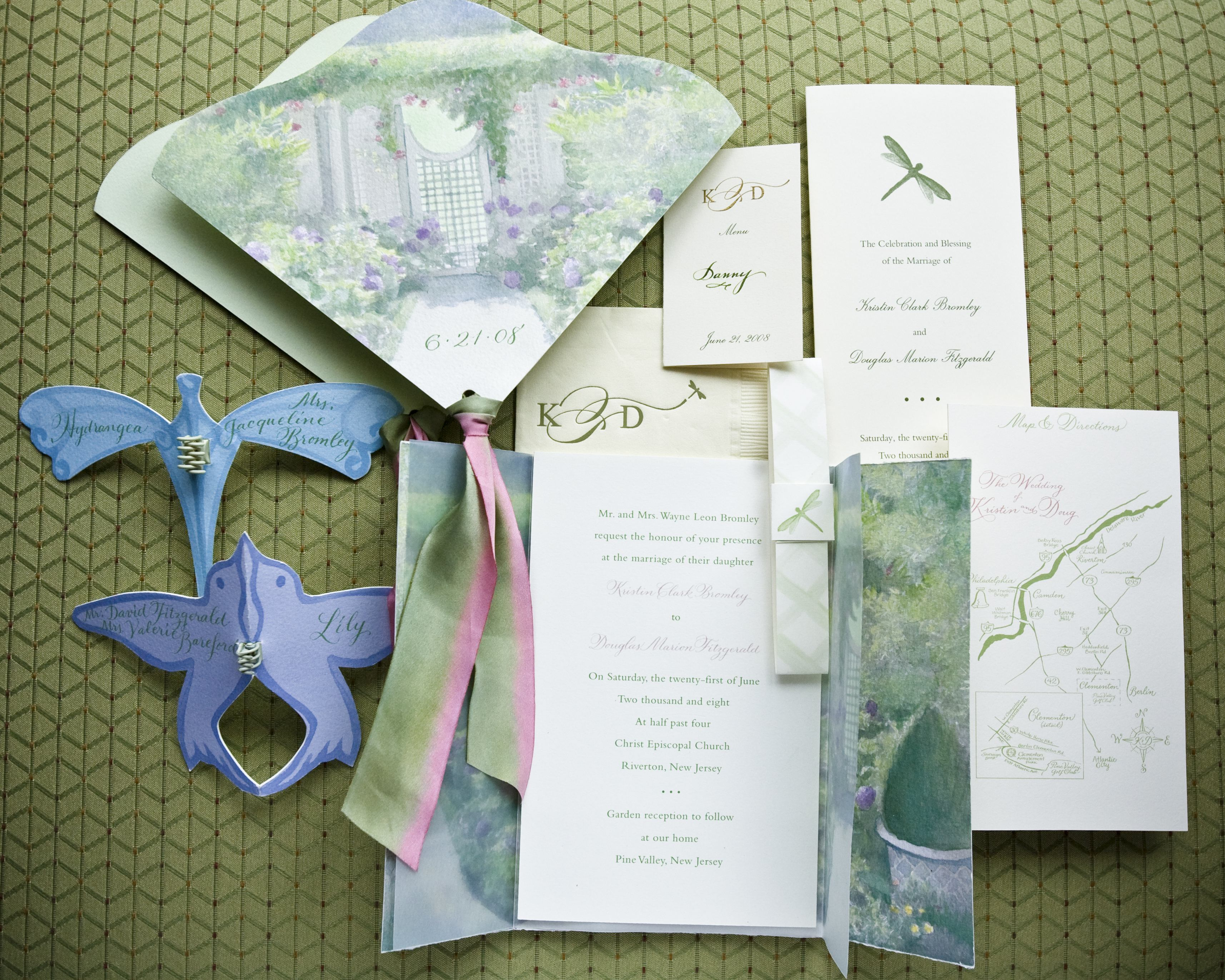 Wedding Invitations: 4 Ways to Make Yours Stand Out - Inside Weddings