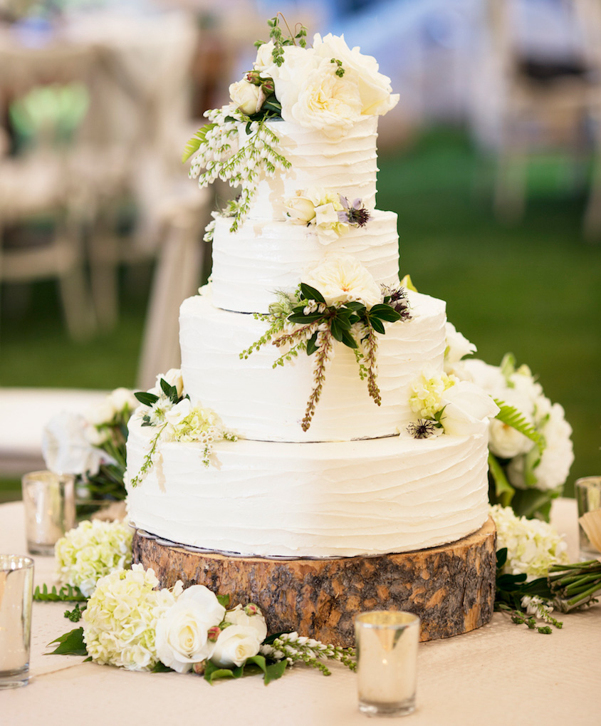 Wedding Cakes: 20 Ways to Decorate with Fresh Flowers - Inside Weddings
