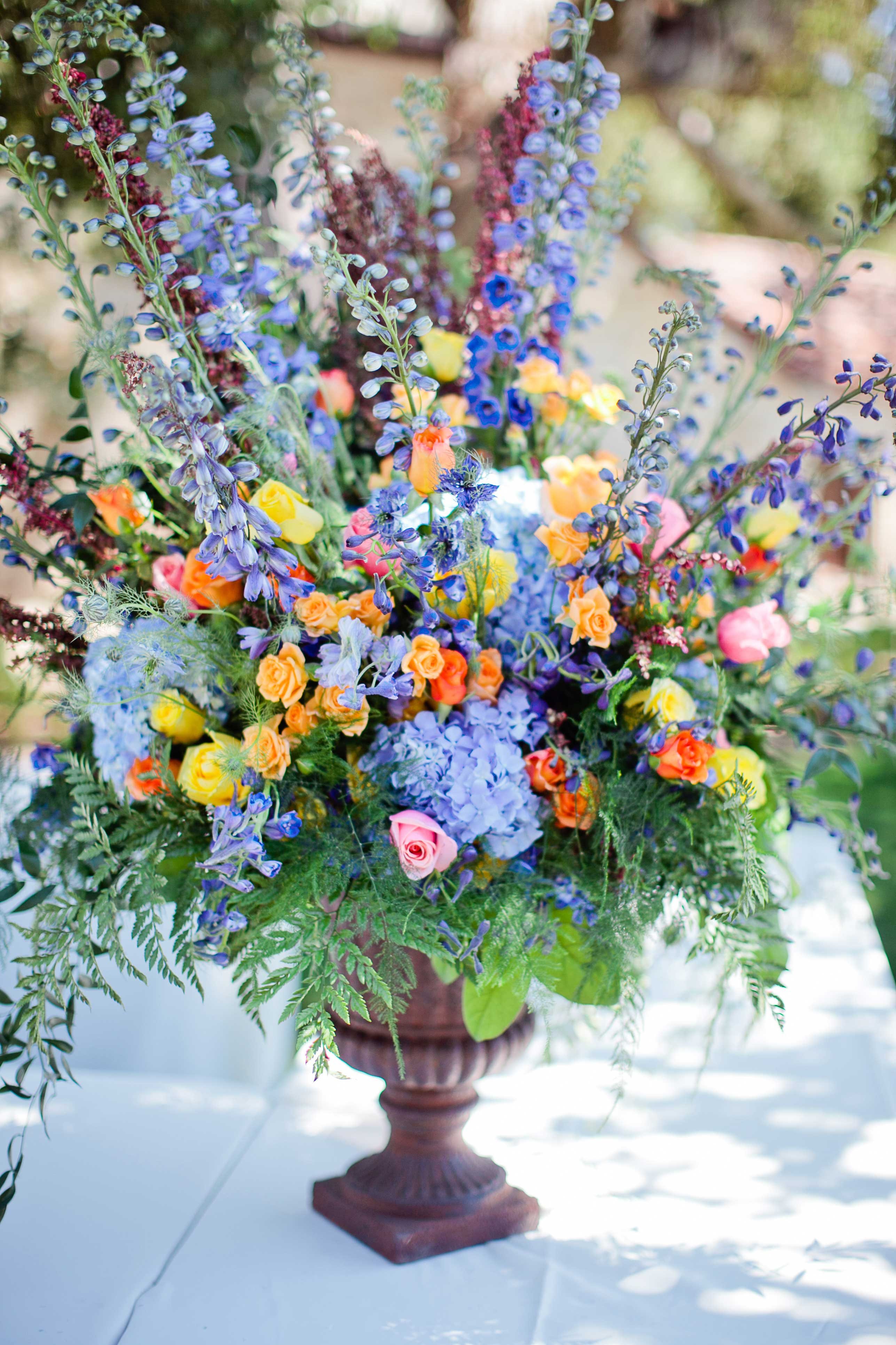 Gorgeous And Fresh Spring Floral Centerpieces For Your Wedding