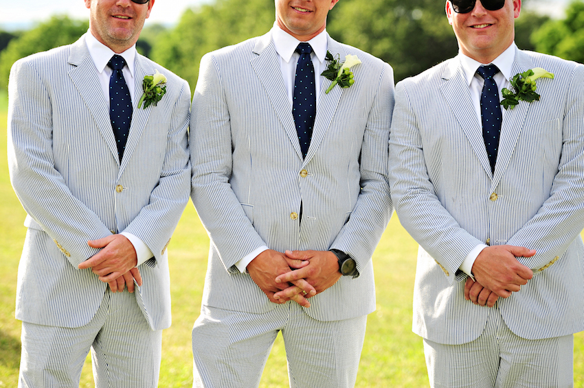 Men\'s Attire: Stylish Tuxedos for Grooms in Colors Other Than Black ...