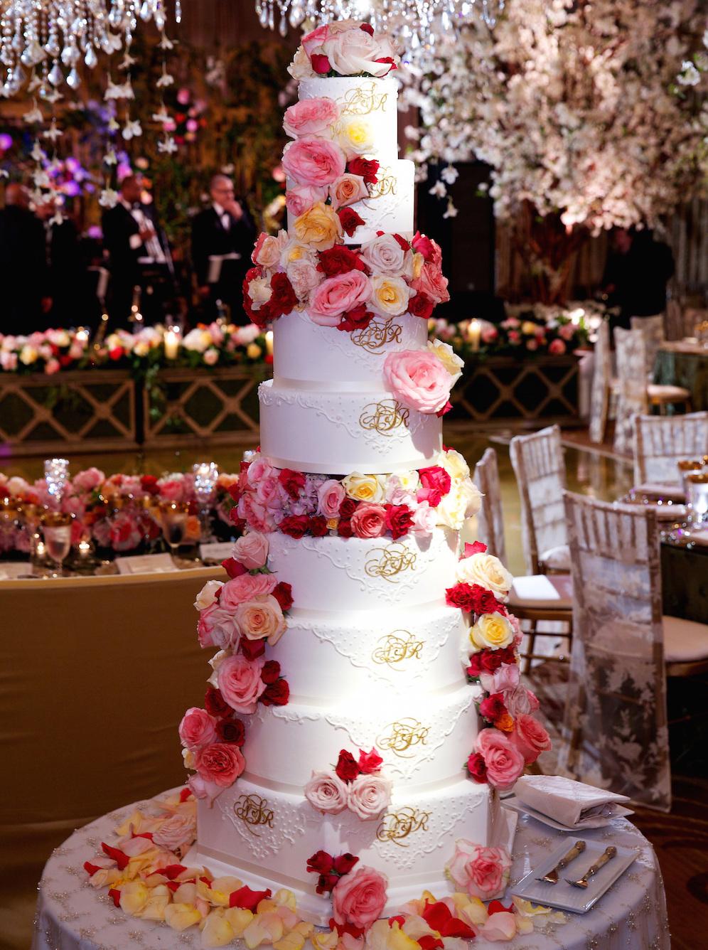 Wedding cake ideas nontraditional wedding cake for Wedding cake layer
