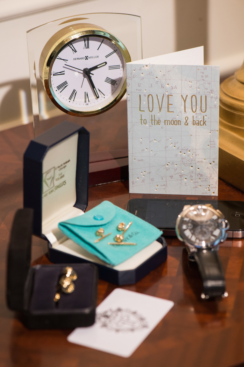 first year anniversary paper gift ideas