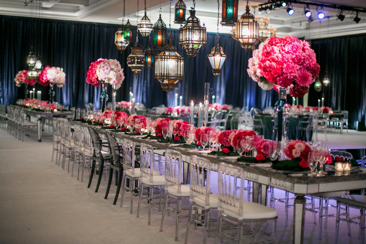 Wedding ideas decorating with lanterns inside weddings for Glass tables for wedding reception