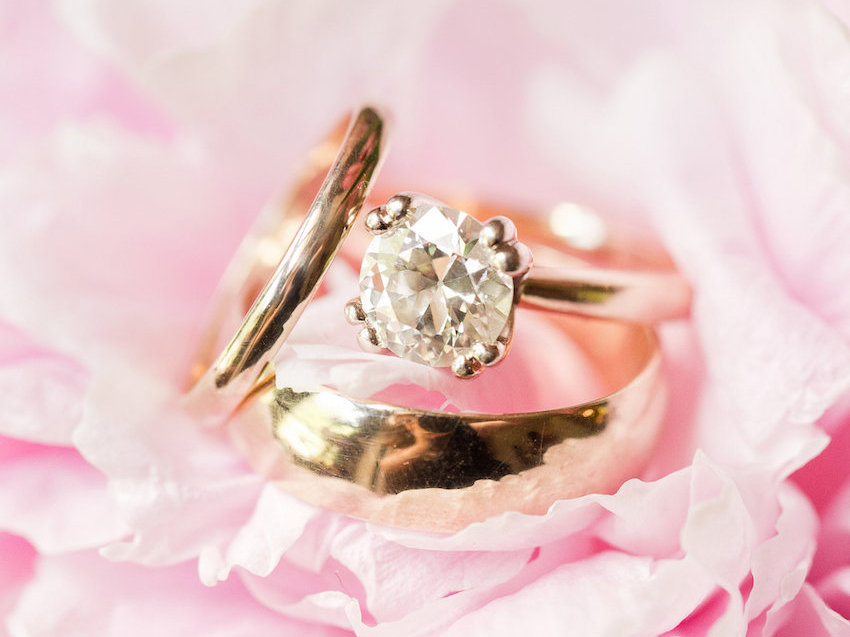 laura prepon engagement ring inspiration, classic solitaire diamond on yellow gold band, double prongs