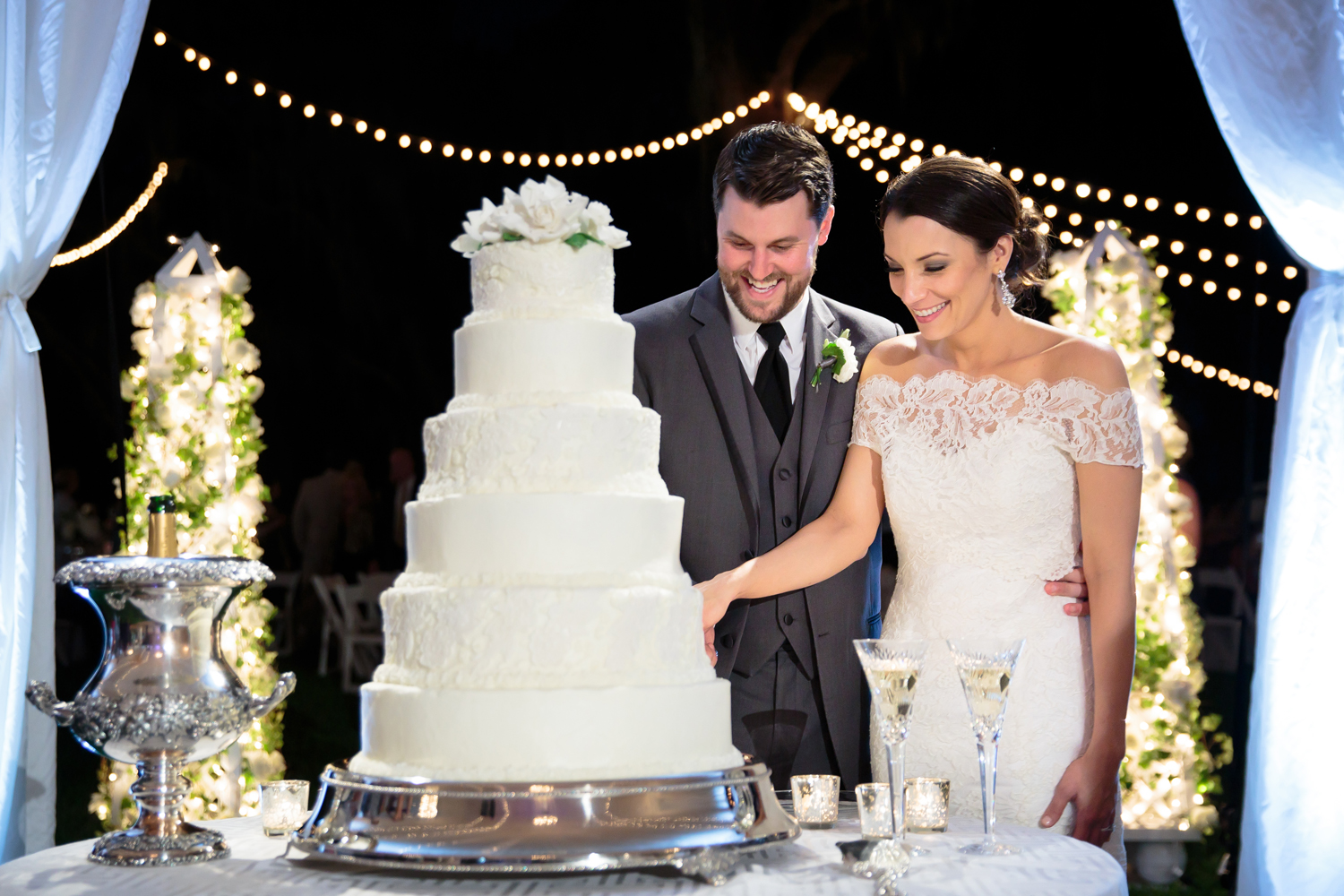Songs To Play During Your Wedding Cake Cutting