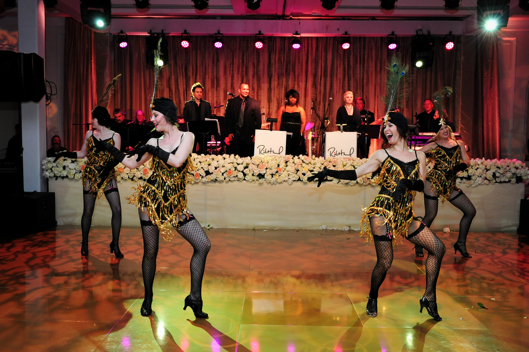 flapper dancers entertainment at wedding reception