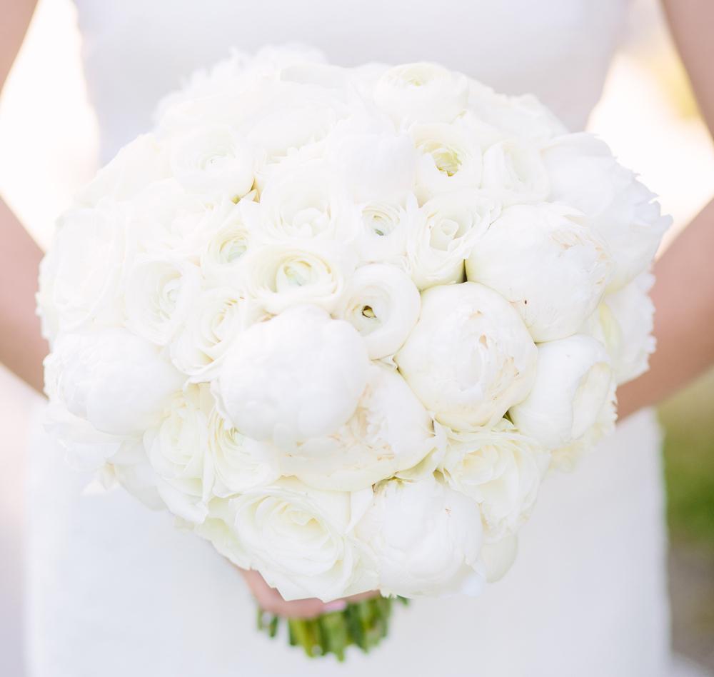 White wedding bouquet ideas winter white peony white ranunculus