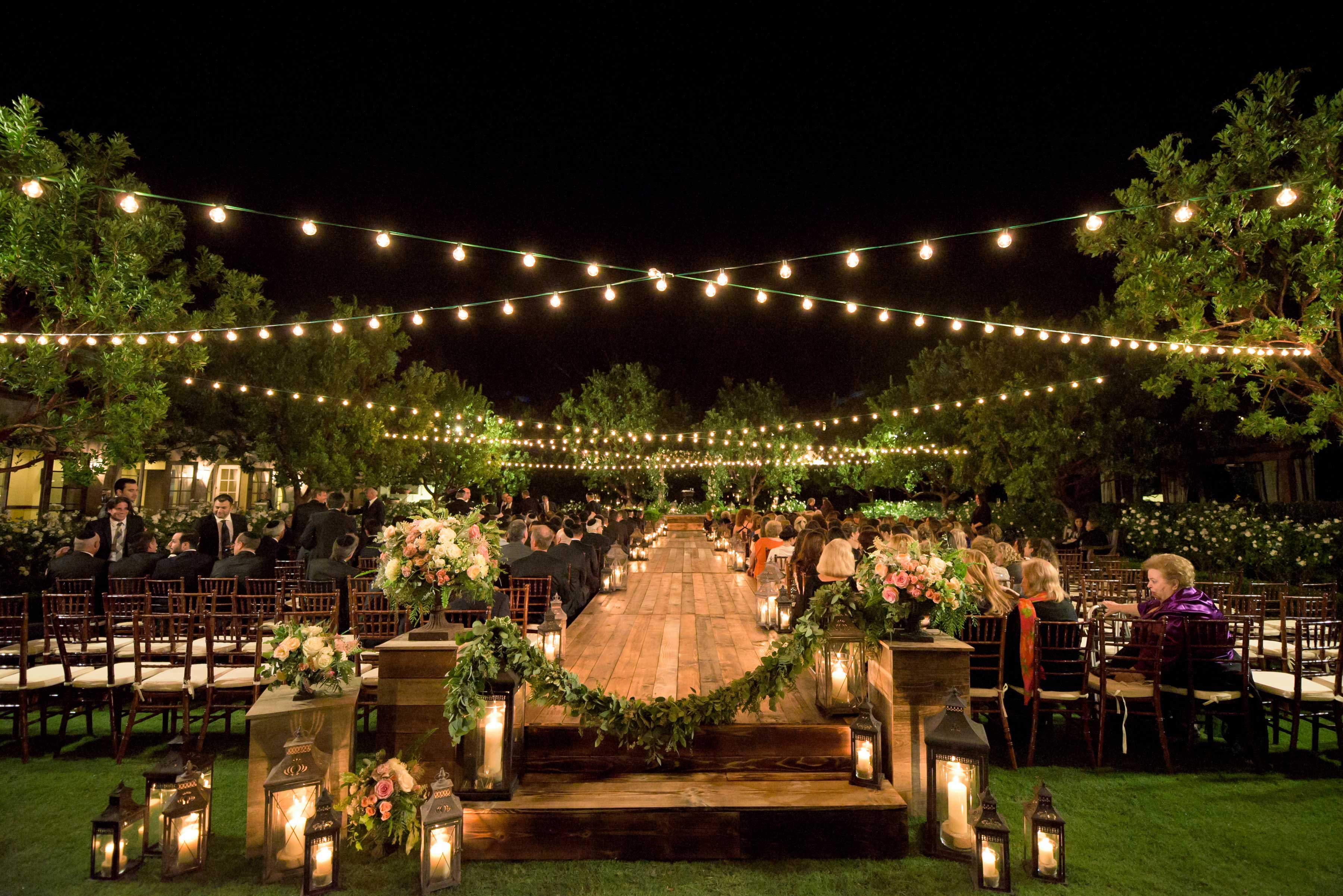 5 Examples Of Nighttime Wedding Ceremony Décor For
