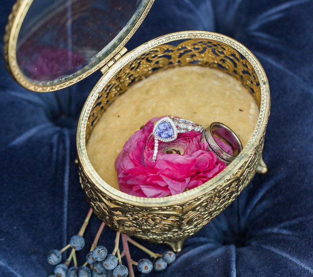 bradley cooper and irina shayk engaged, violet stone engagement ring