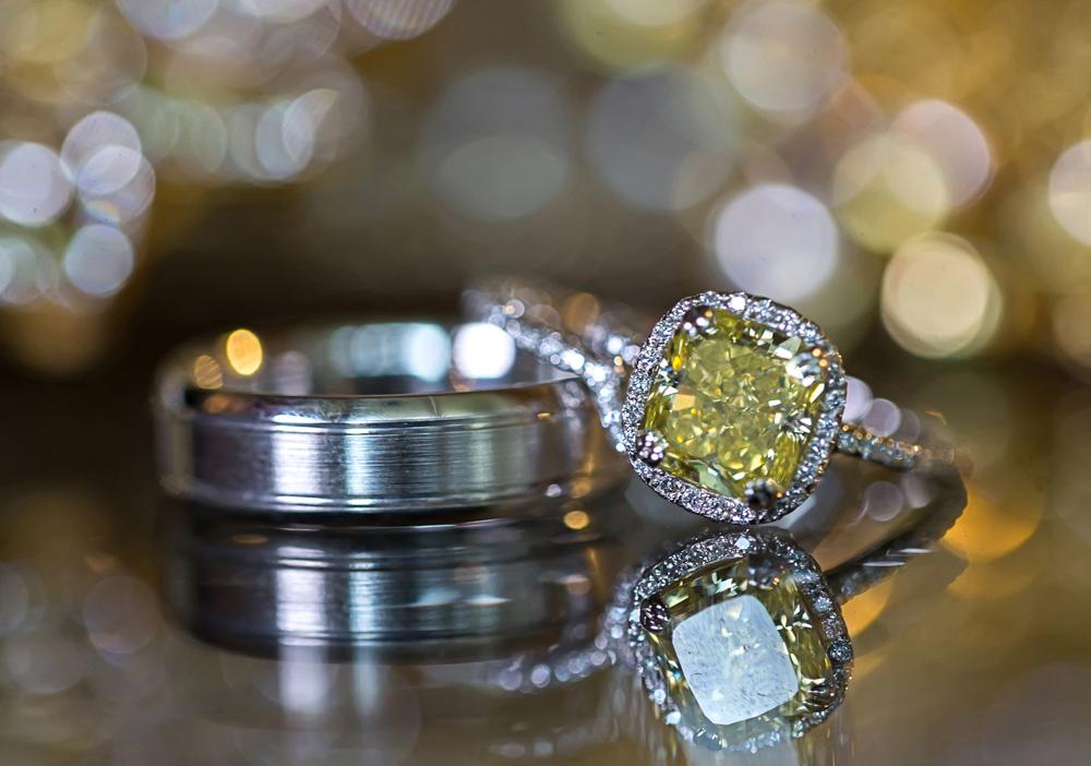 bradley cooper and irina shayk engaged, yellow diamond engagement ring with halo