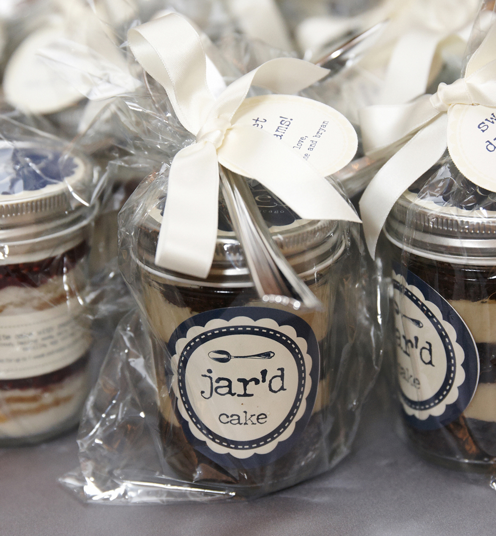 cake in a jar wedding favors