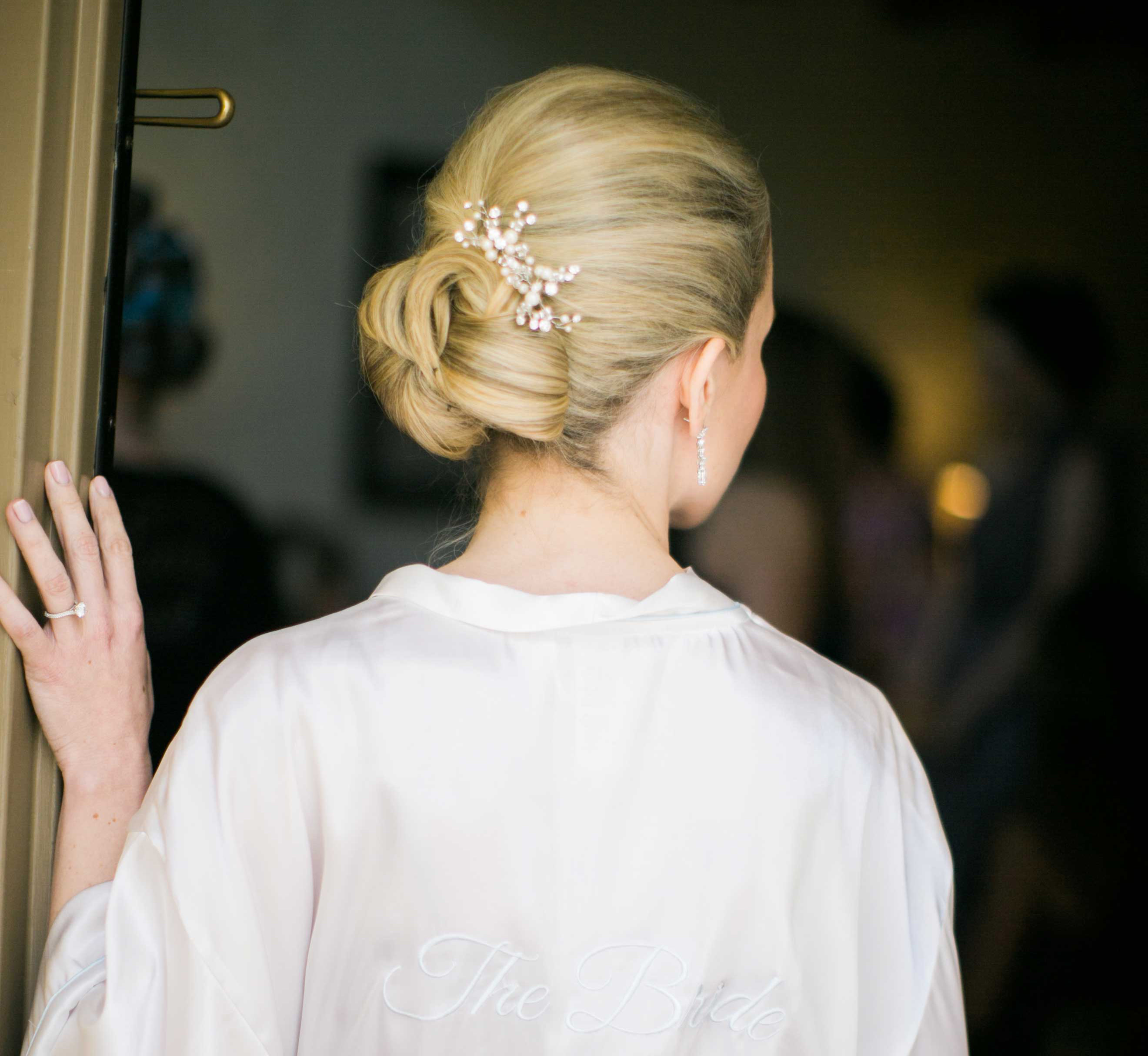 pros and cons of wearing your hair up for your wedding