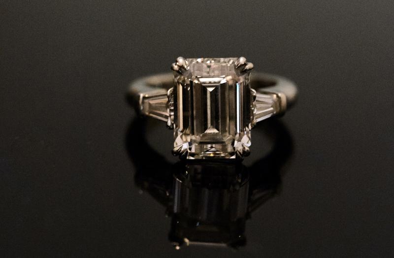jesse plemons engaged to kirsten dunst engagement ring inspiration baguette accent side stones emerald cut