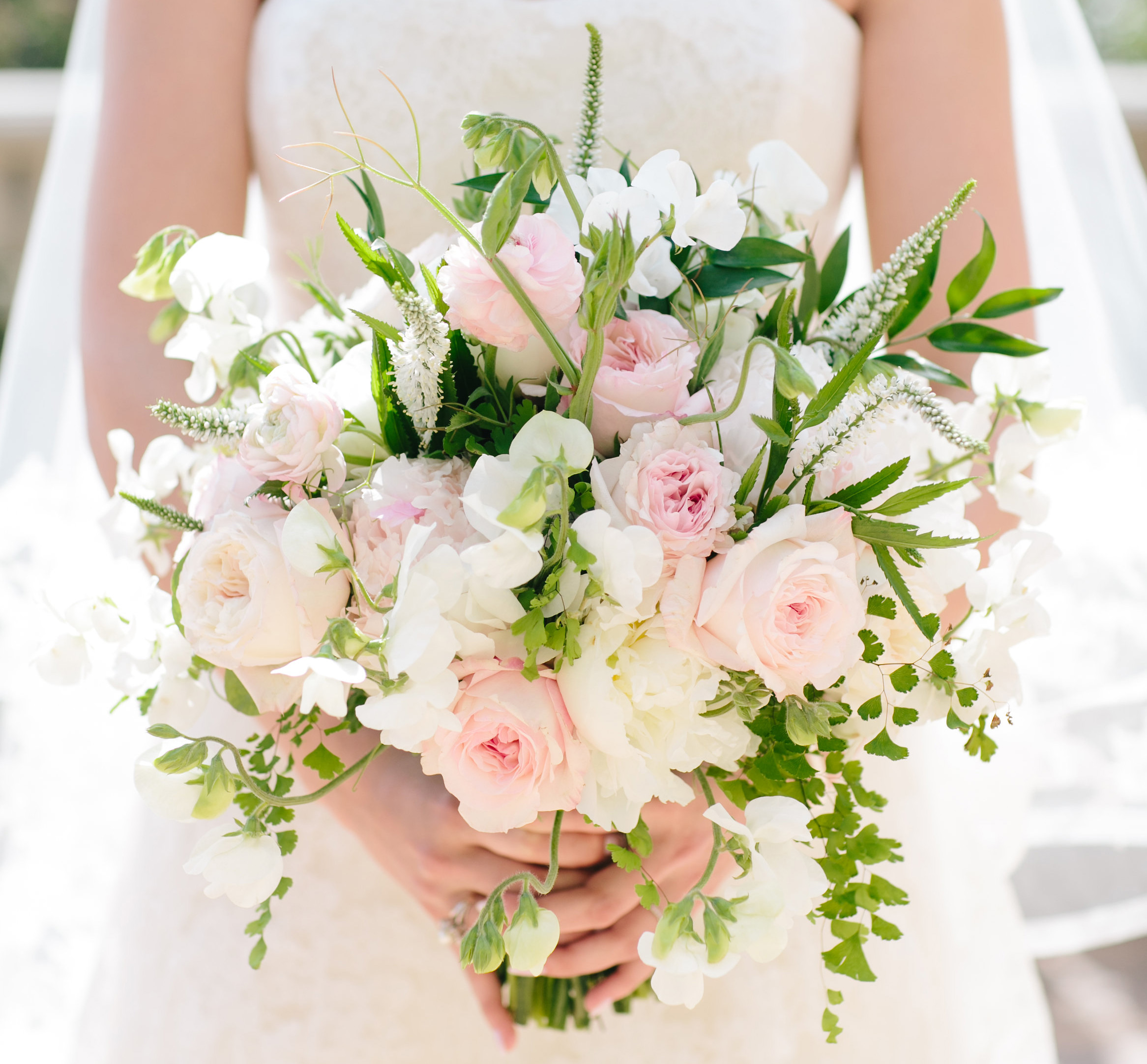 15 Bridal Bouquets In Valentine-Inspired Shades