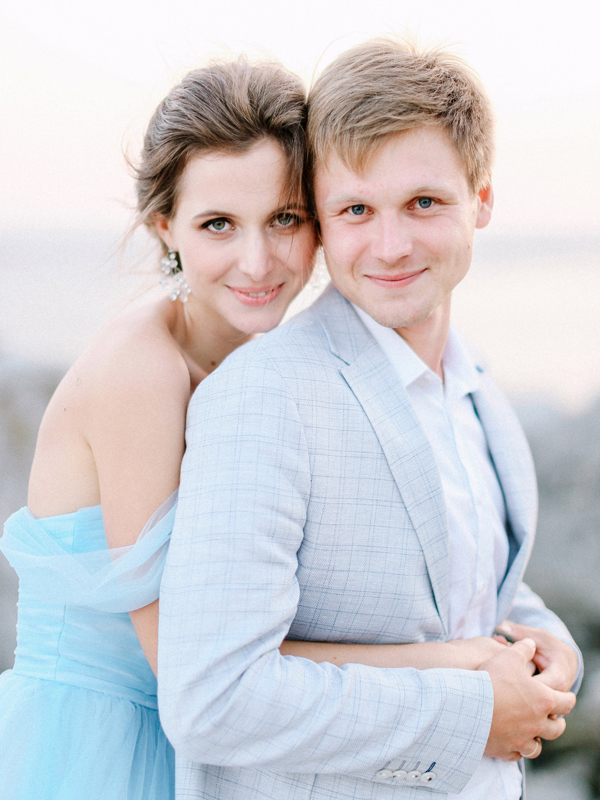 Bride and groom couple portrait elopement Crimea light blue wedding dress