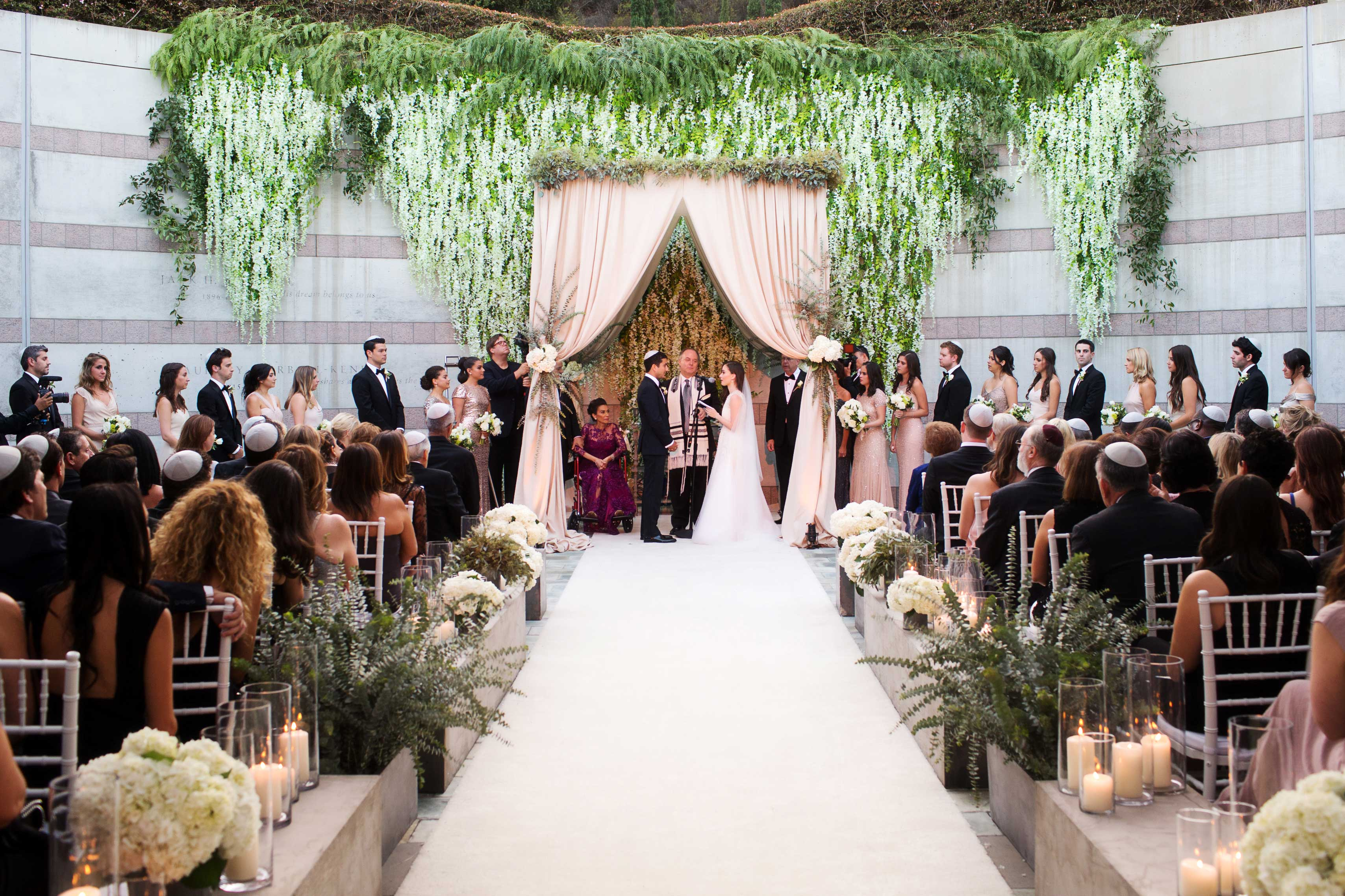 Beautiful wedding ceremony outdoor at Skirball Cultural Center flowers by The Hidden Garden Geller Events