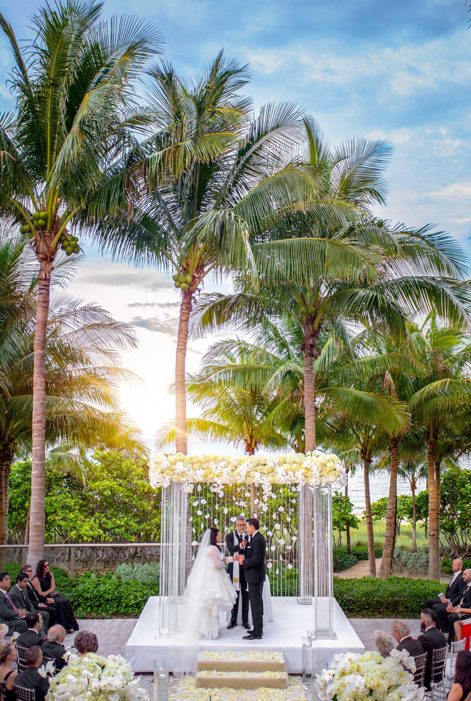 Inside Weddings Spring 2017 issue outdoor wedding ceremony in Florida Amanda Ruisi bride Kleinfeld dress