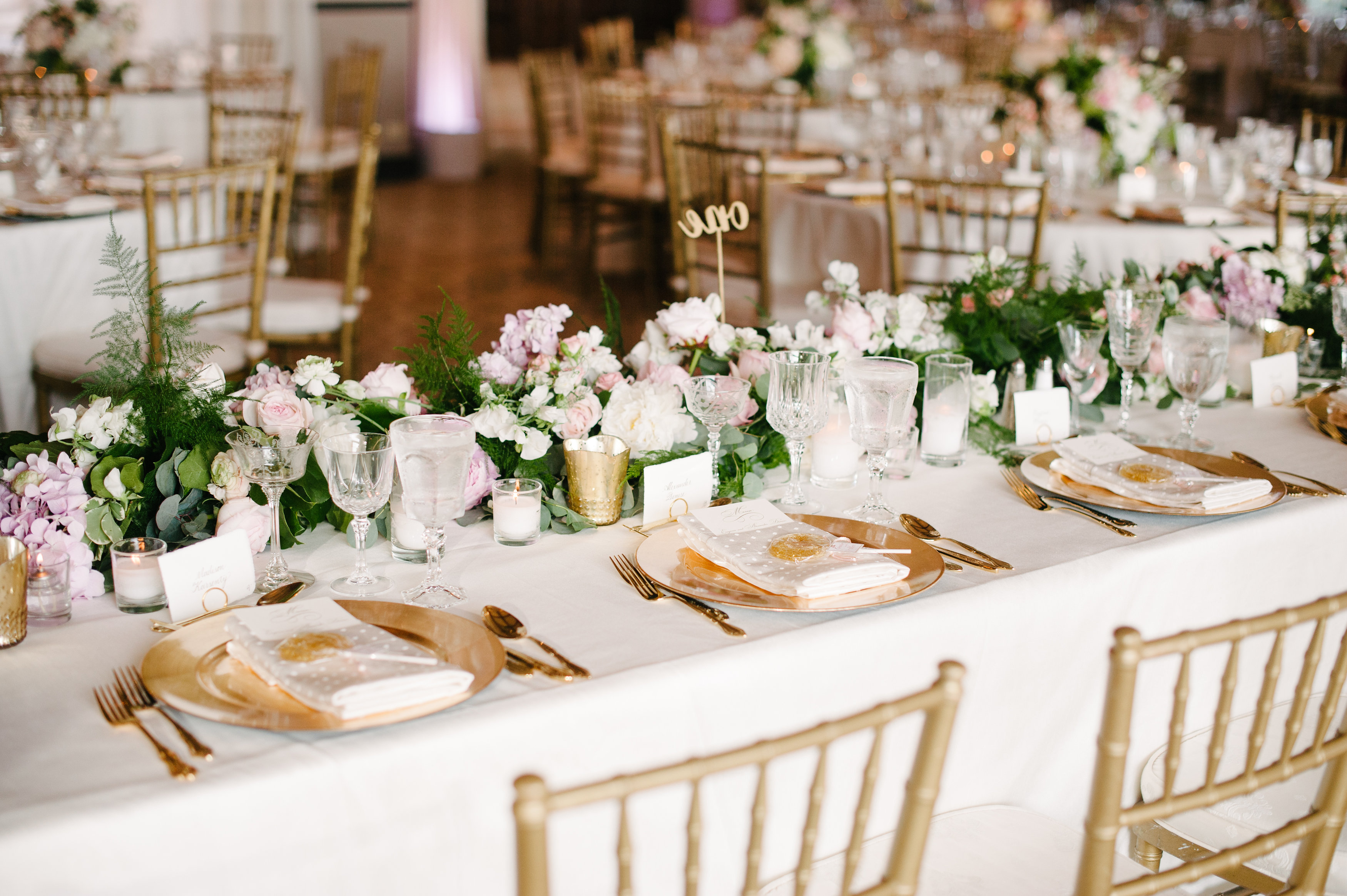 11 Beautiful Floral Table Runners For Your Wedding Reception Tables