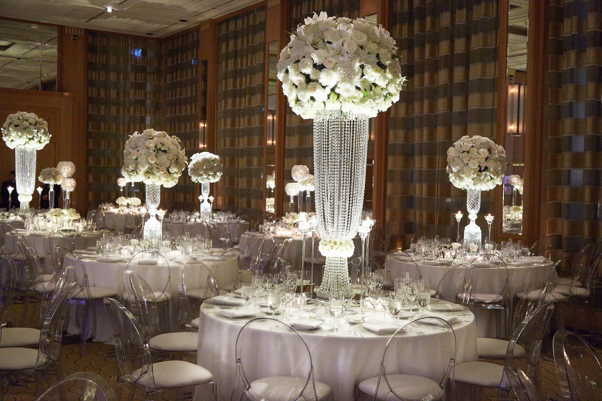 Wondrous Wedding Reception Ideas Choosing Tall Vs Short Centerpiece Download Free Architecture Designs Barepgrimeyleaguecom