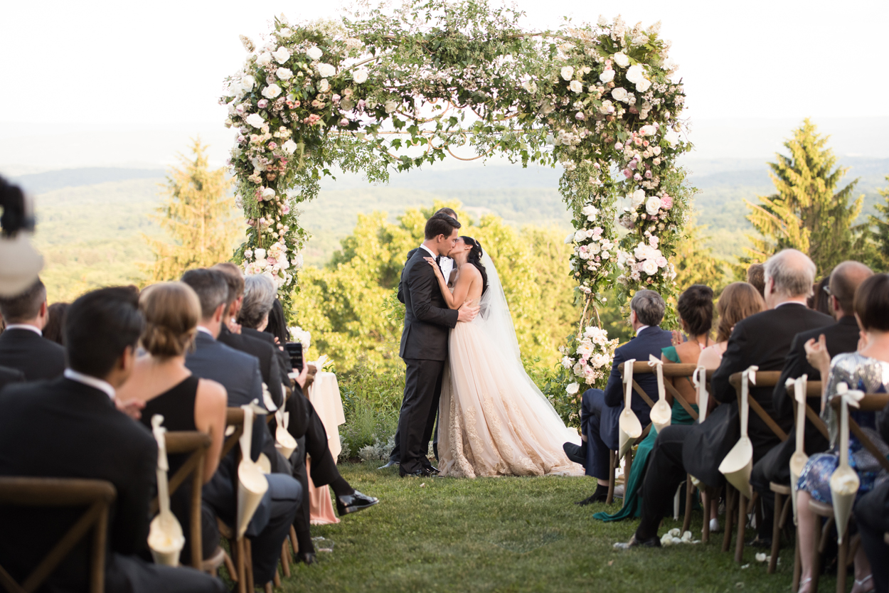 8 Beautiful Floral Arches for Your Wedding Ceremony - Inside Weddings