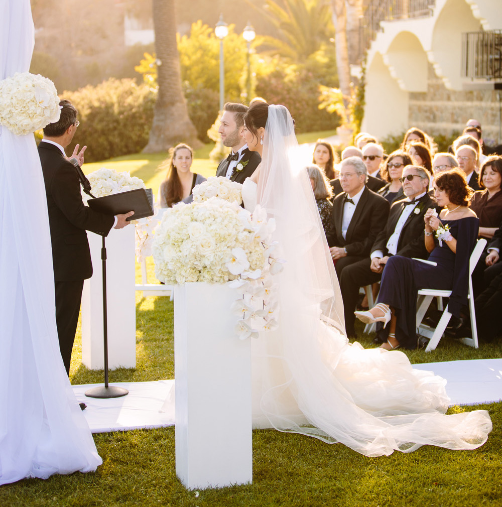 Officiating A Wedding: How To Officiate A Loved One's Day