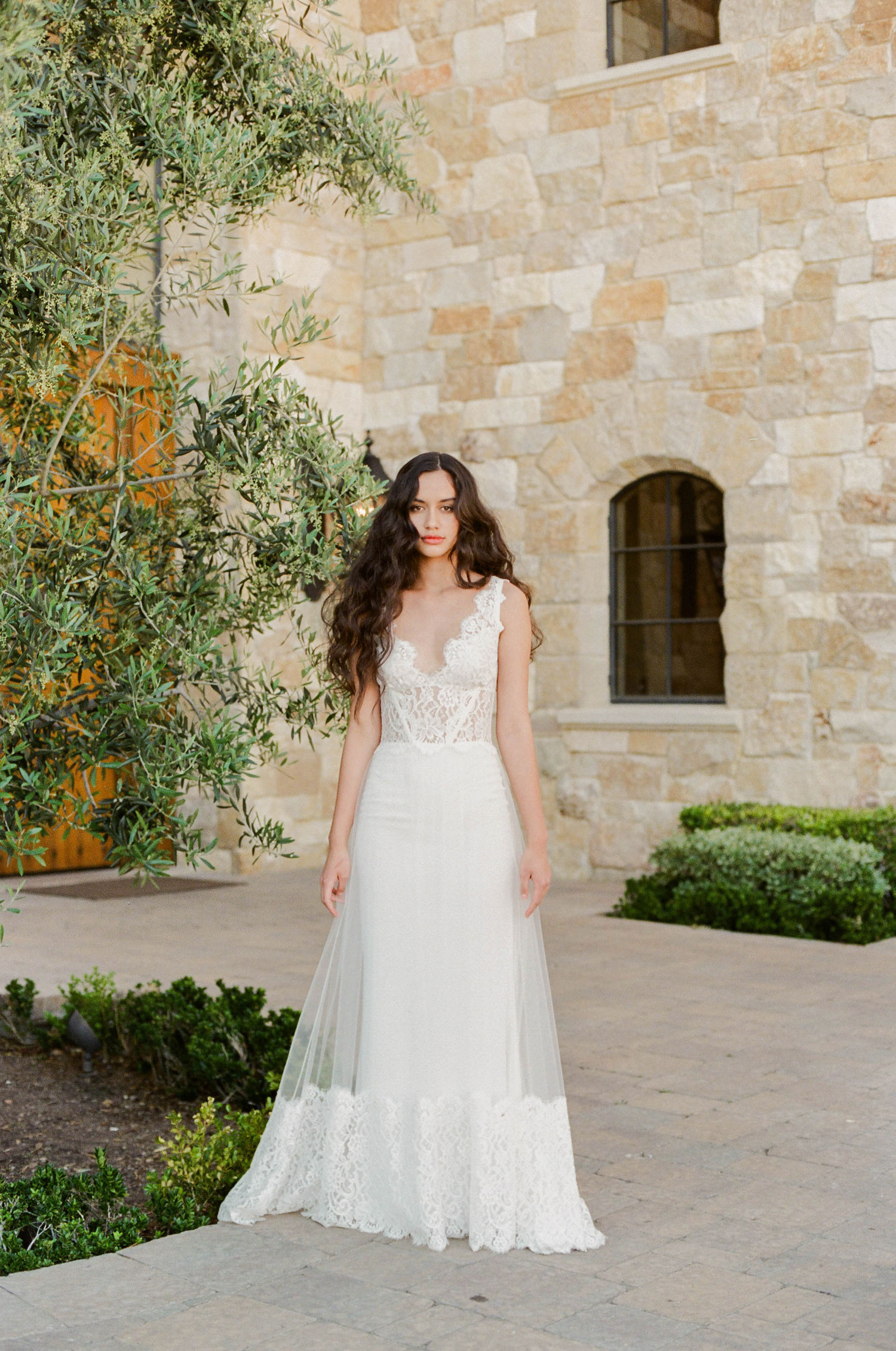 Claire Pettibone Romantique 2018 The Vineyard Collection Chardonnay v neck lace wedding dress
