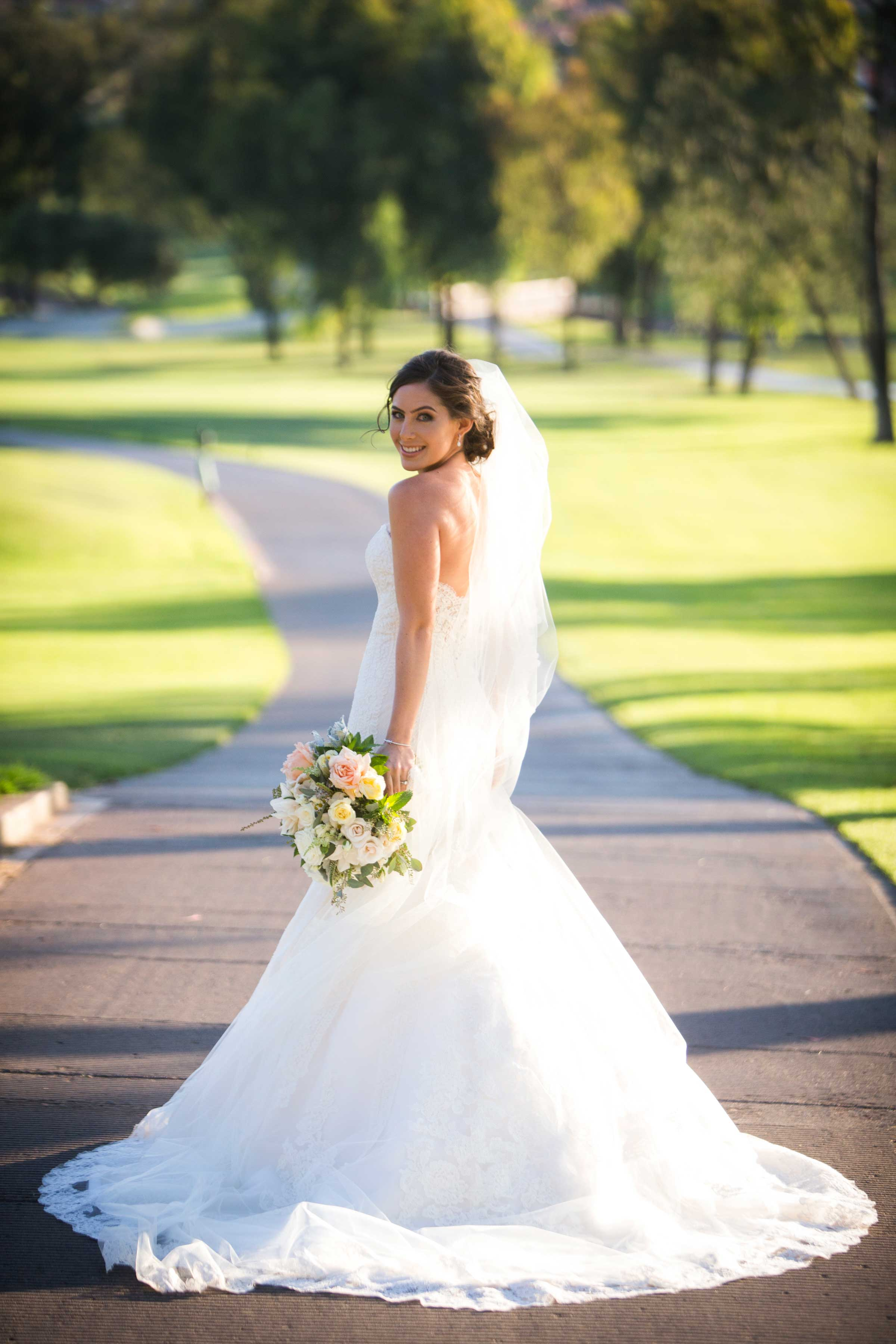 8 Trumpet Gown Bridal Silhouettes to Make a Statement at Your ...