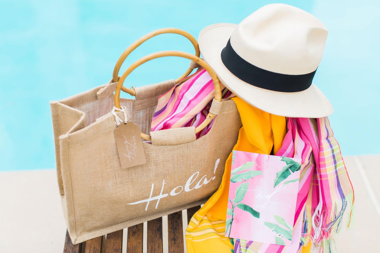 Honeymoon bag sun hat with beach bag