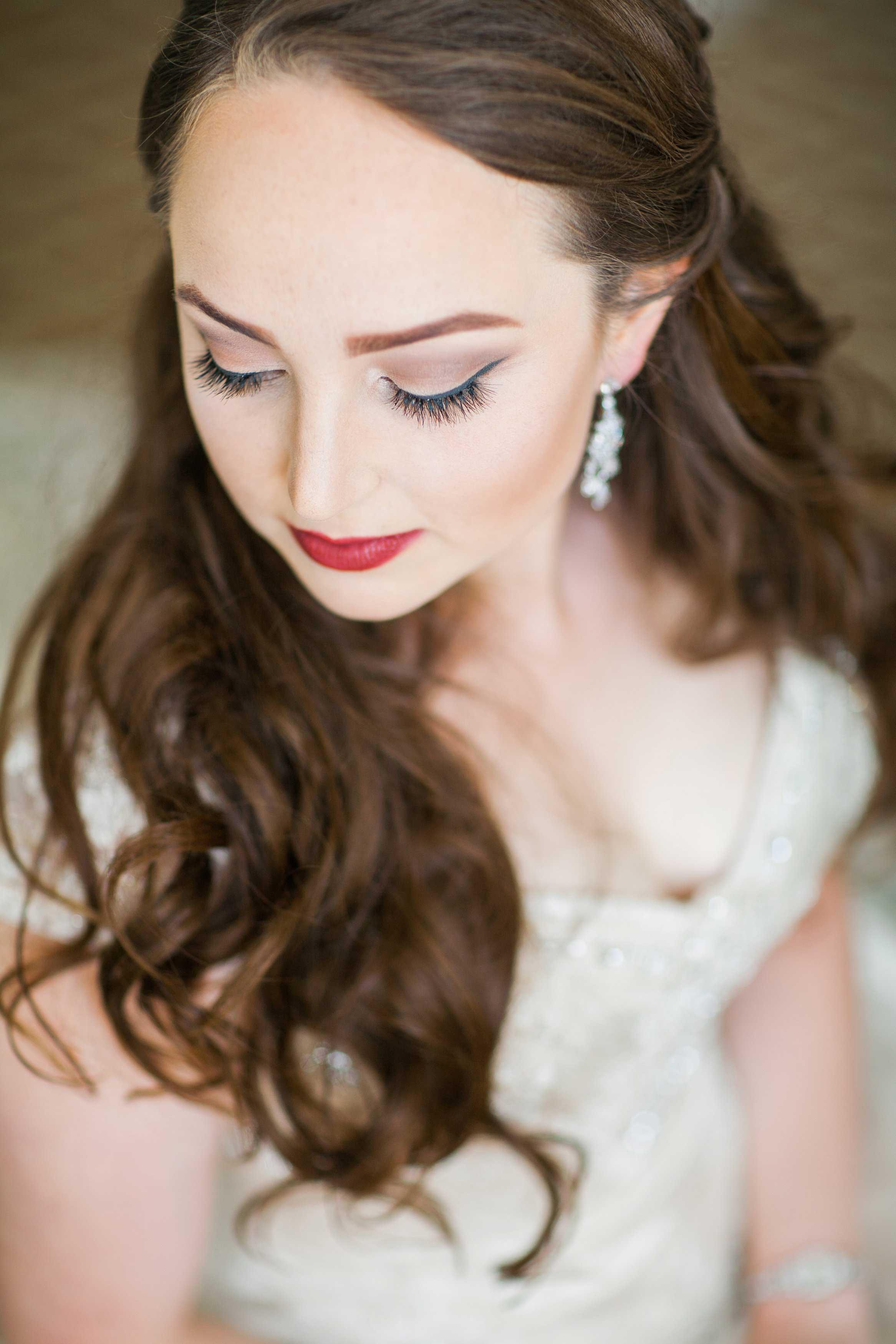 Long hair bride at wedding day