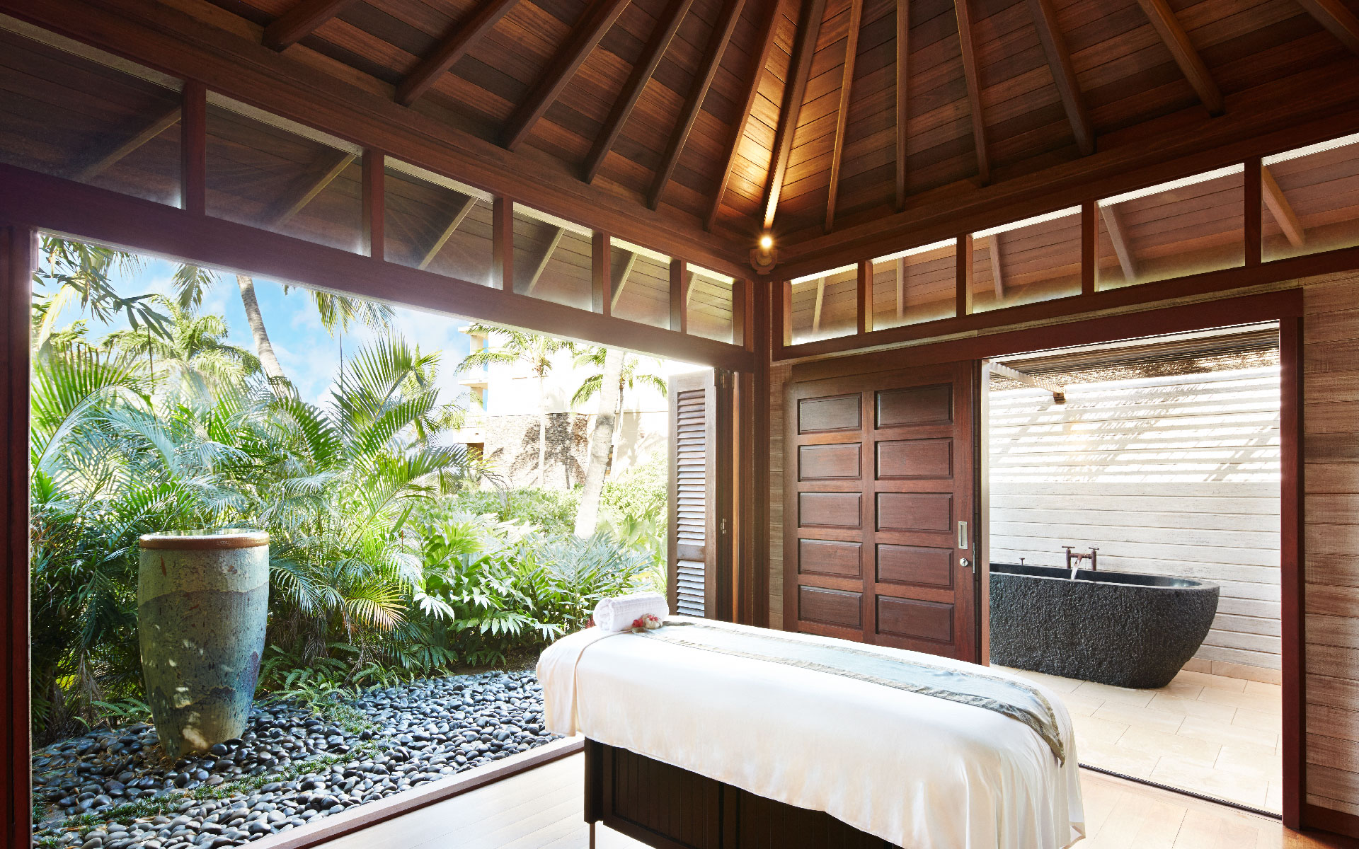 Massage spa room at The Spa at Montage Kapalua Bay in Hawaii