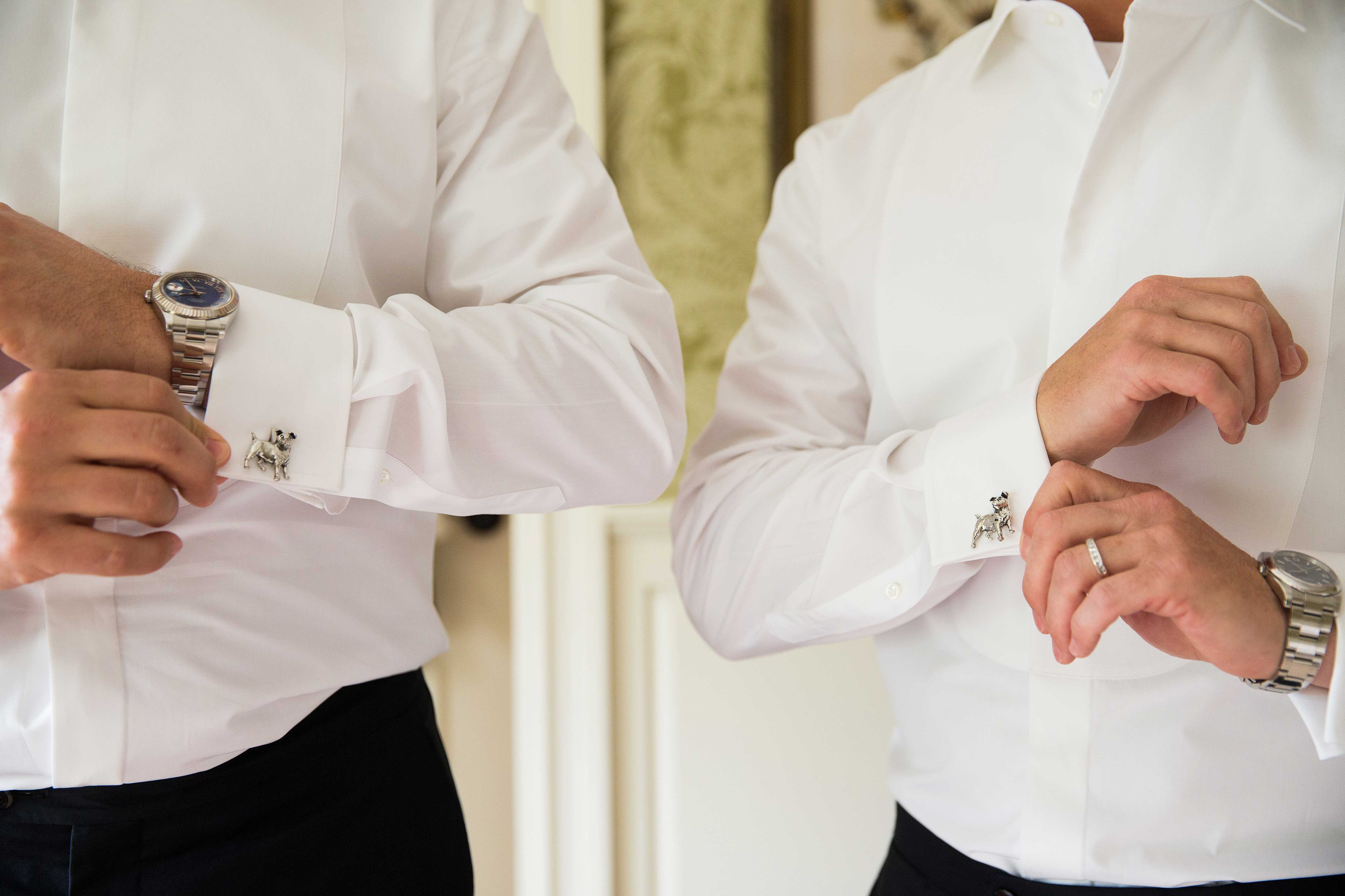 Dog design on cuff links cufflinks