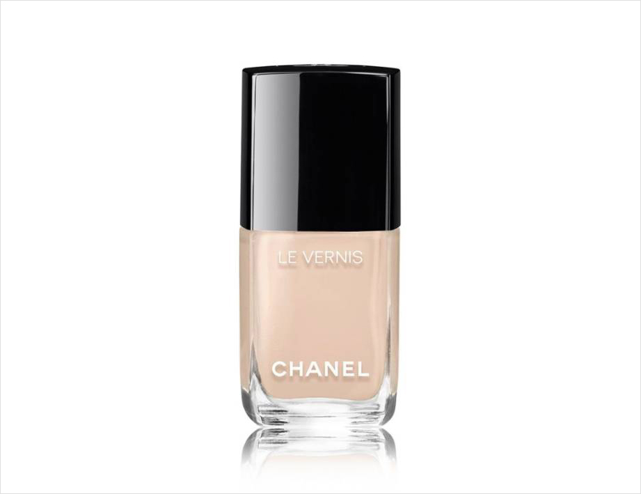 Wedding day manicure nail polish ideas Chanel blanc white cream nude
