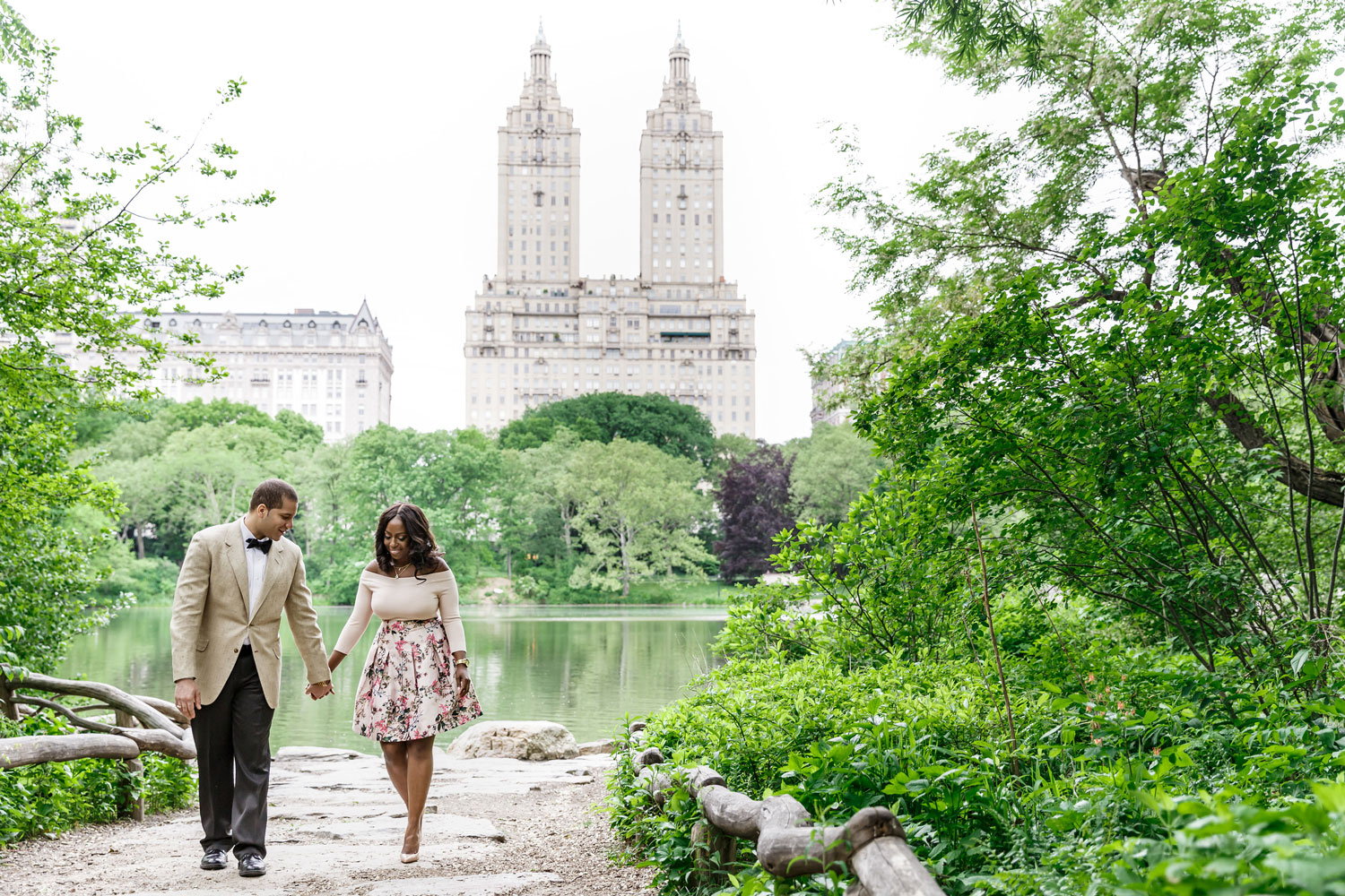 New York City central park engagement session photo by Amy Anaiz
