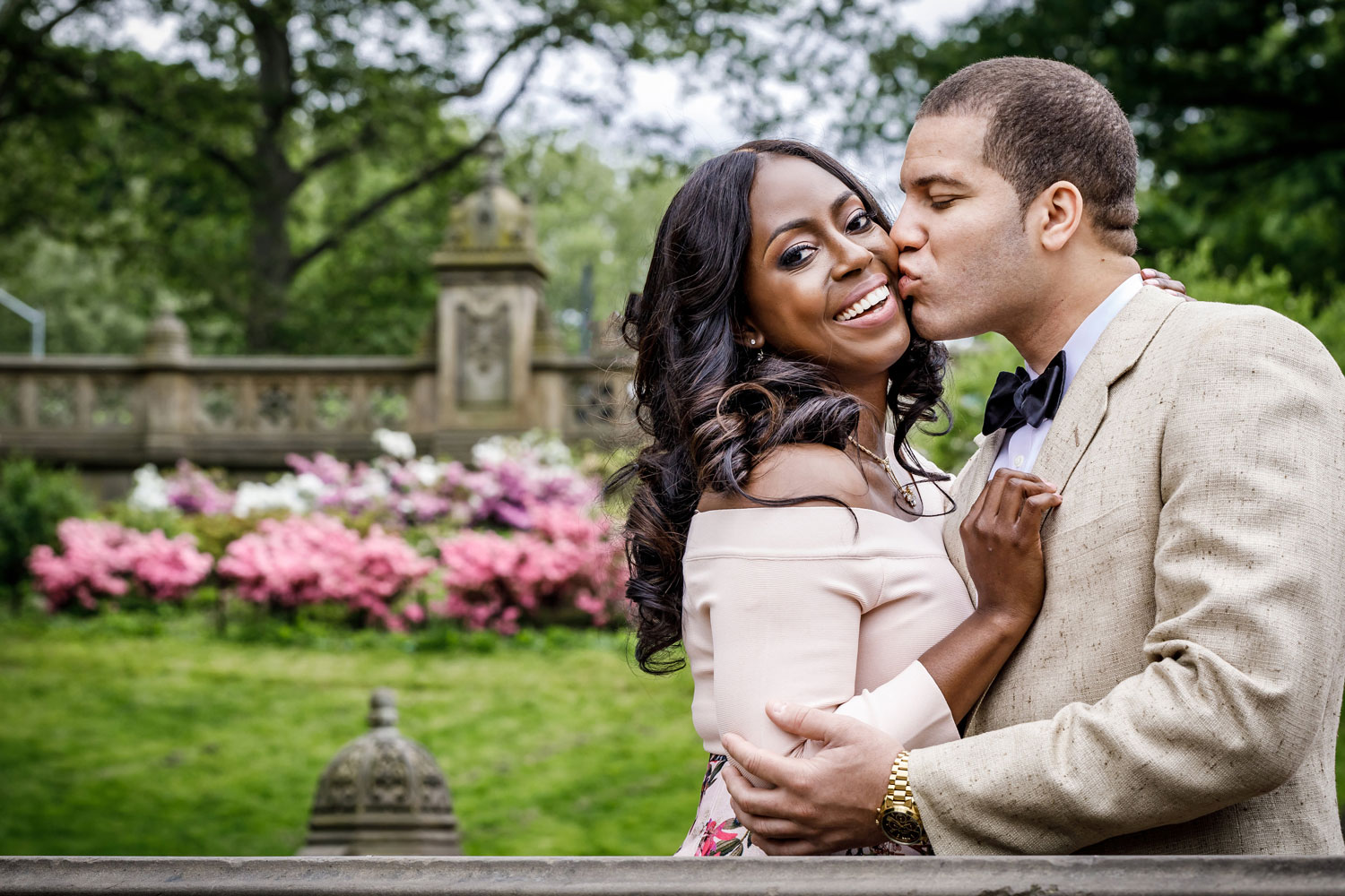 New York City central park engagement session photo by Amy Anaiz close up of couple