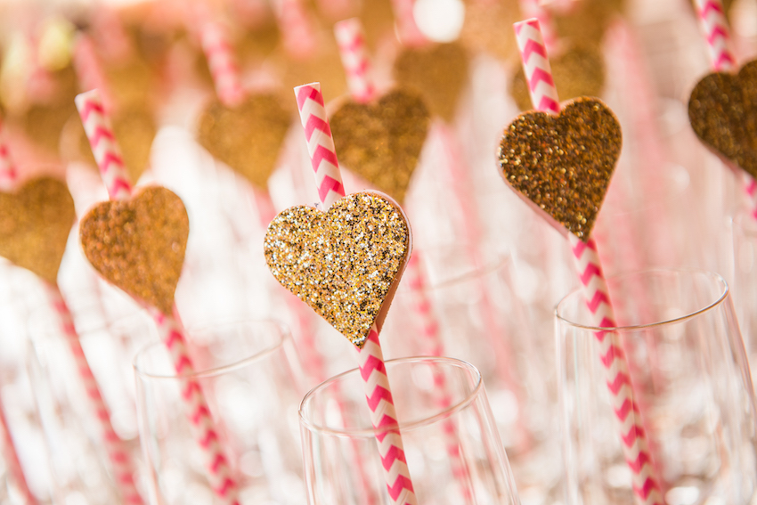 Glitter hearts in gold on straws wedding ideas