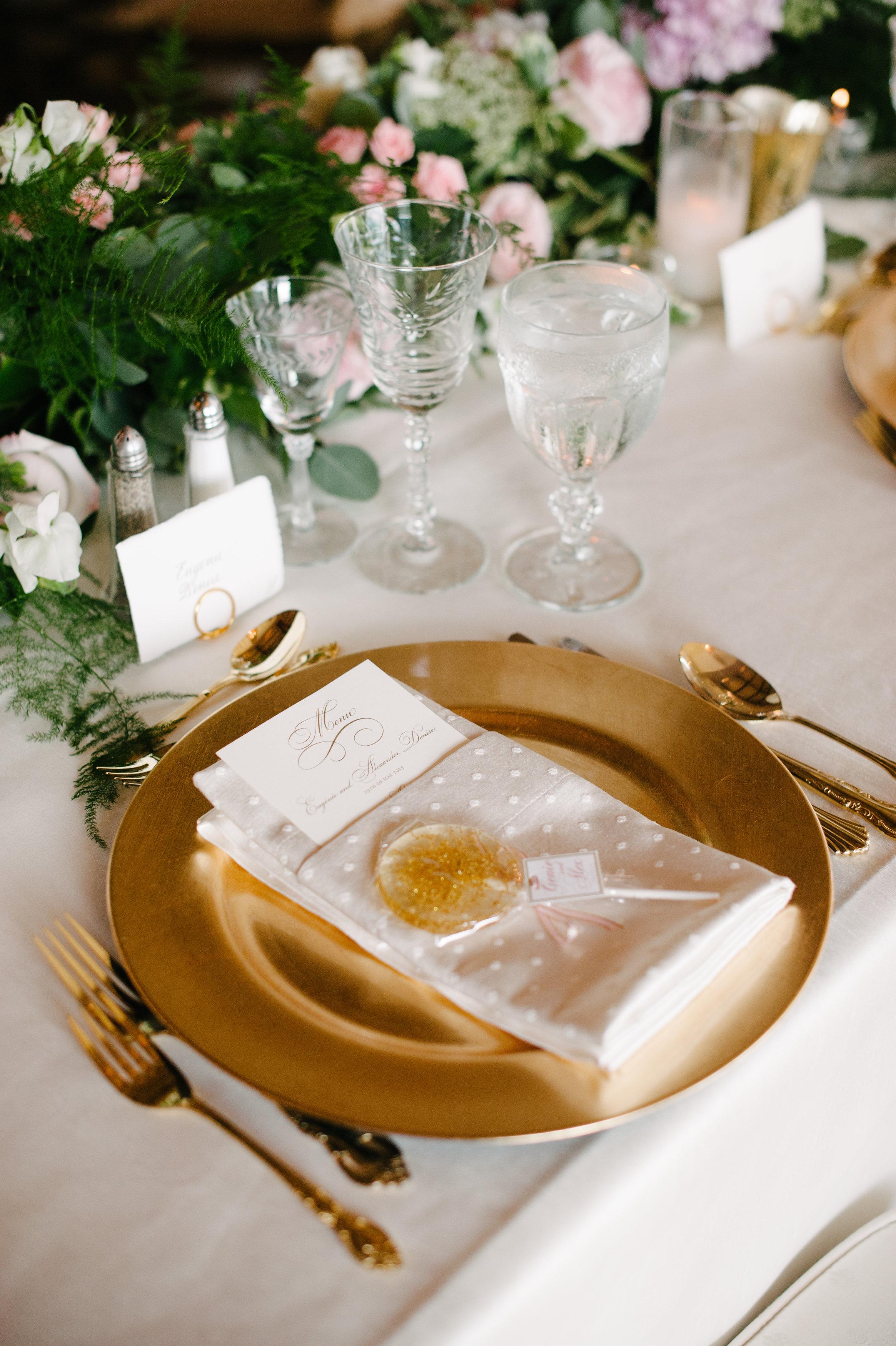 Glitter lollipop wedding favor sweets desserts glitter wedding ideas