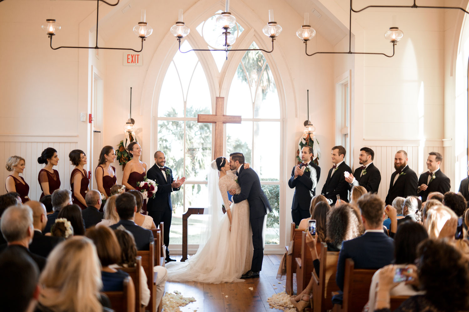 What Order Should Your Bridal Party Stand In? - Inside Weddings