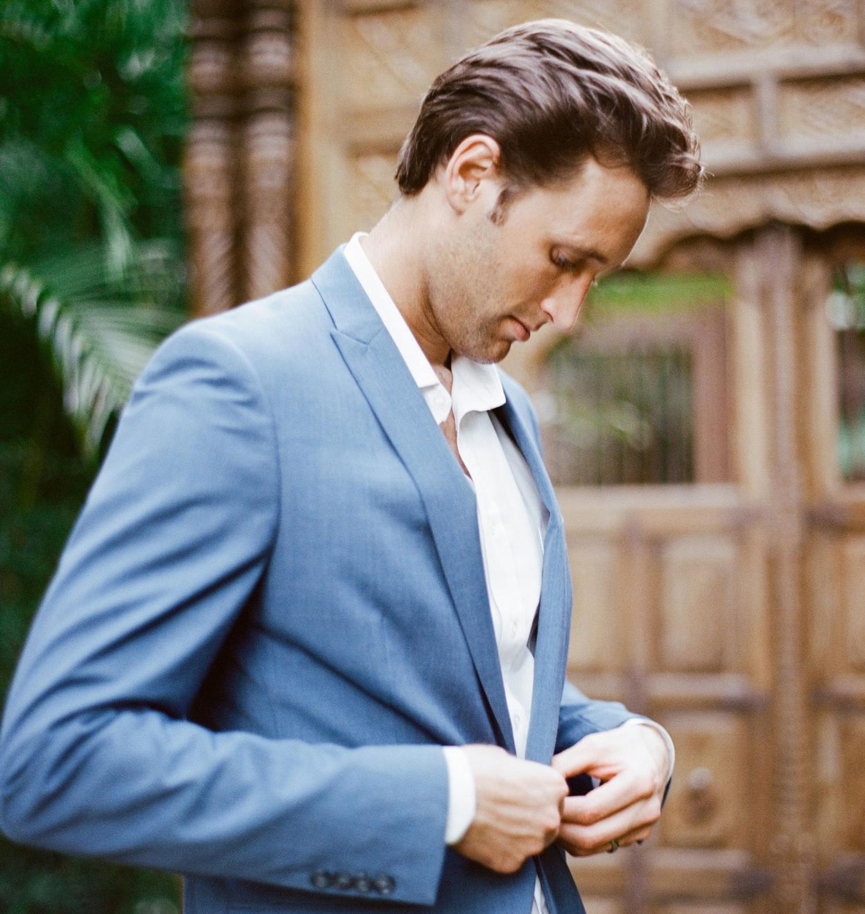 Romantic Ways Real Grooms Proposed - Inside Weddings