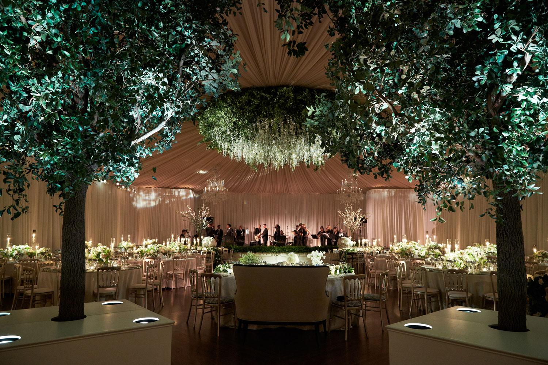 Nature inspired wedding reception hmr designs kingensmith inside weddings spring 2018 issue