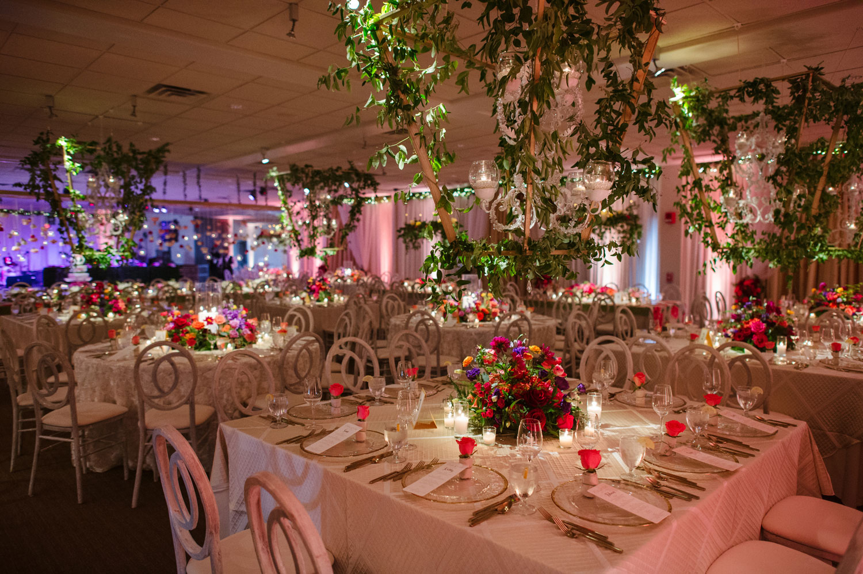 inside weddings spring 2018 issue joe mineo creative wedding reception legends romona keveza wedding dress