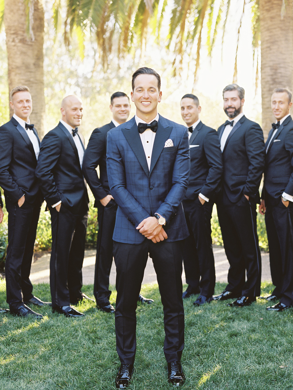 custom suit tips for grooms, should grooms get custom suits for the wedding