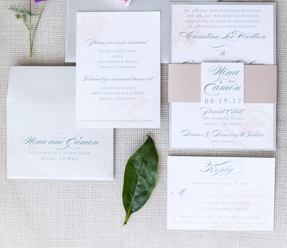 how to make sure your guests rsvp to your wedding