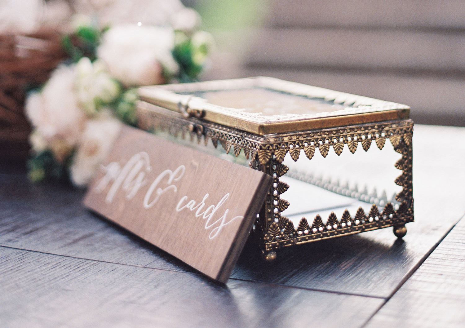 what to write in a wedding card, what should you write in a wedding card?