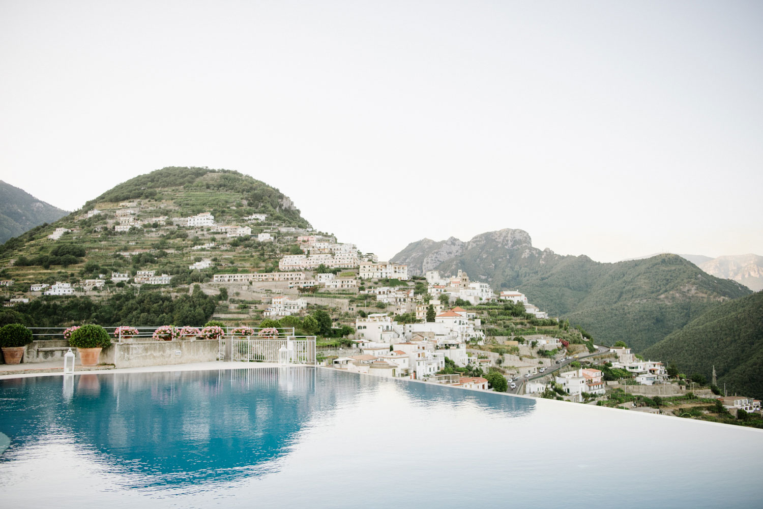 should you hire a travel agent to plan your honeymoon?