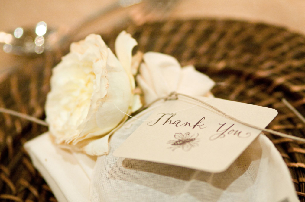 when should you send thank you cards for wedding gifts?